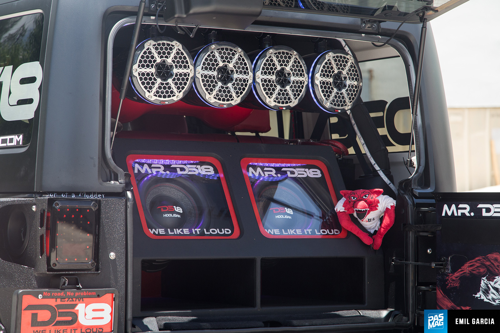 Pasmag Performance Auto And Sound Big Bad Wolf Ds18s 2014 Jeep Wrangler Jk Subwoofer Box 12 Ds18 Nightcrawler