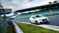 PASMAG 2017 Honda Civic Type R sets new benchmark time at Monza with Honda WTCC s