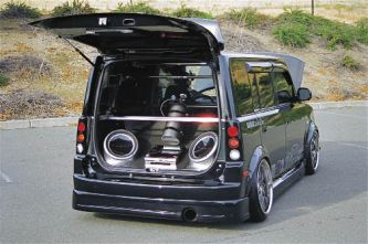 2004_Scion_xB_Angel_Holguin