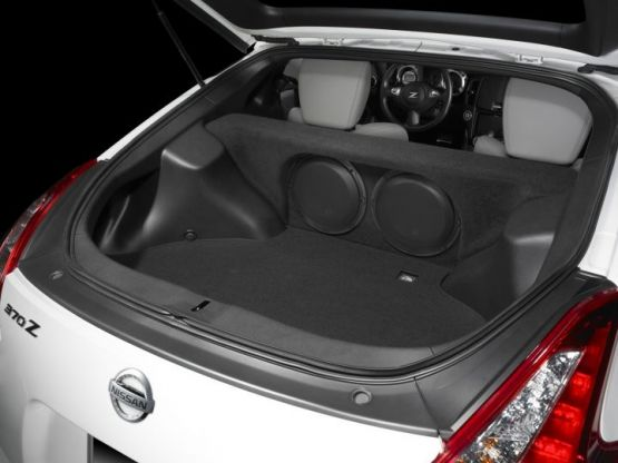 JL_Audio_Nissan_370Z_Stealthbox