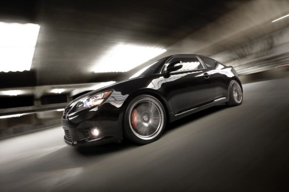 2011_Scion_tC_Side3