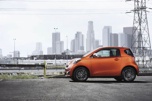 Street Smarts: 2012 Scion iQ Review