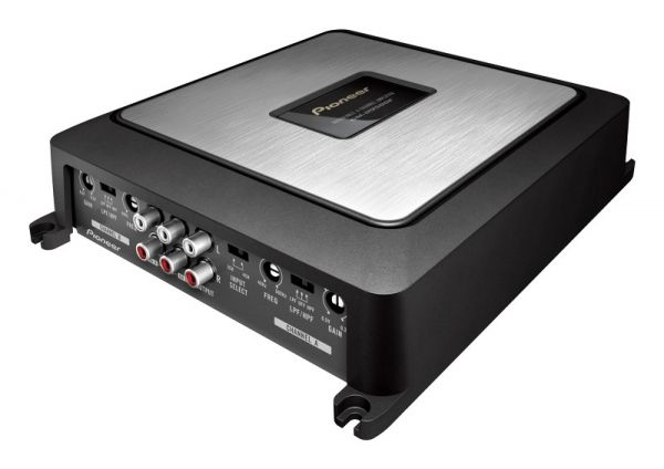 The GM-D9500F is a four channel full range amplifier, rated at 75 watts per channel into 4 ohms, or 100 watts per channel into 2 ohms. It can also be bridged to create a pair of 200 watt channels, in either mono or stereo bridged configurations.