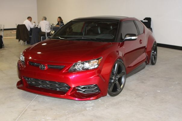 2011_Scion_tC_Red