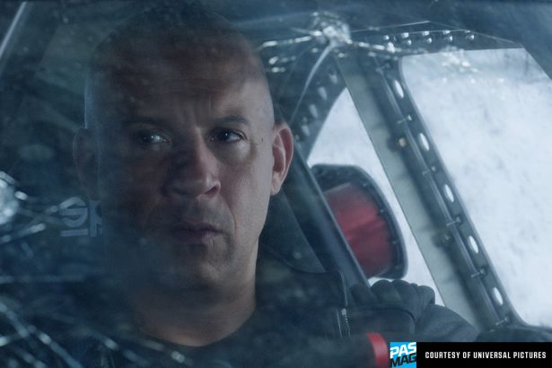 Fate of the Furious F8 Universal Roman Pearce Tyrese Gibson PASMAG 08