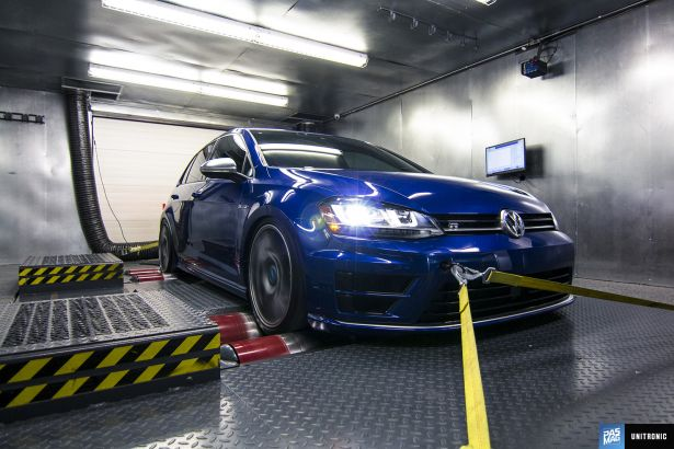 01 Unitronic 2016 VW Golf R Waterfest PASMAG
