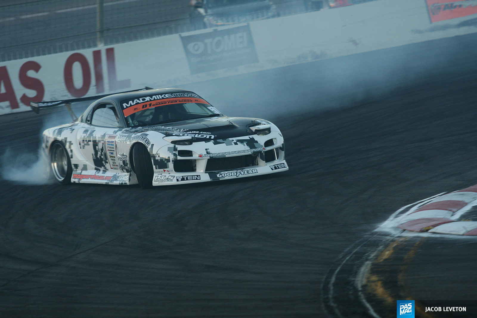 01 Mad Mike Whiddett 1994 Mazda RX7 pasmag