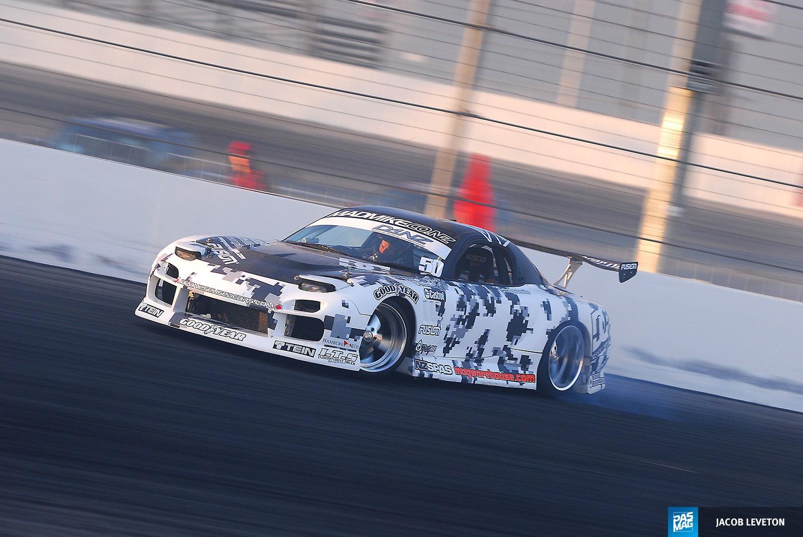 04 Mad Mike Whiddett 1994 Mazda RX7 pasmag