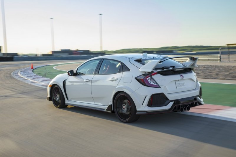 2017 Honda Civic Type R July 4 Release Date Canada PASMAG 03
