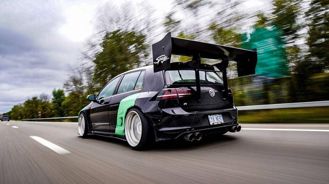 01 Adrian Smith 2016 VW Volkswagen Golf R pasmag